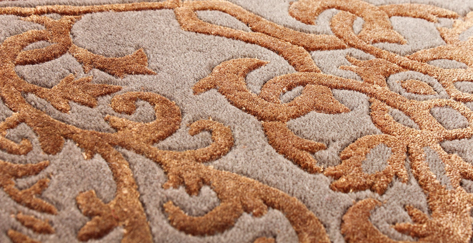 LaDatina-handmadecarpets-contract